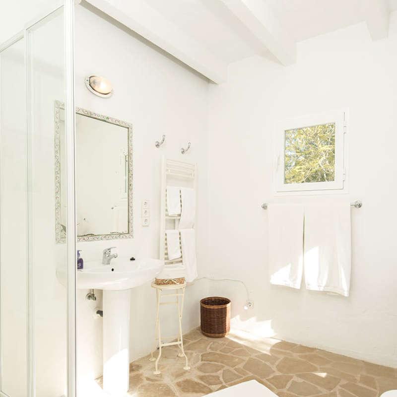 King En-suite bathroom
